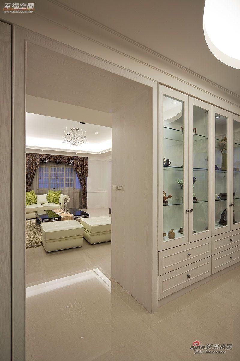 简约 公寓 卧室图片来自幸福空间在将大收纳空间藏于维多利亚风中57的分享