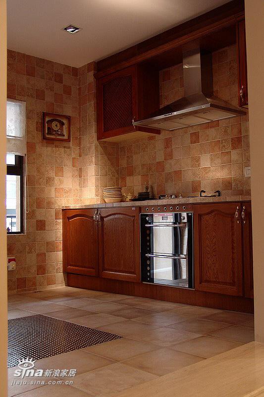 欧式 跃层 厨房图片来自用户2746869241在20万元装修240平米公寓-欧式王妃享受66的分享