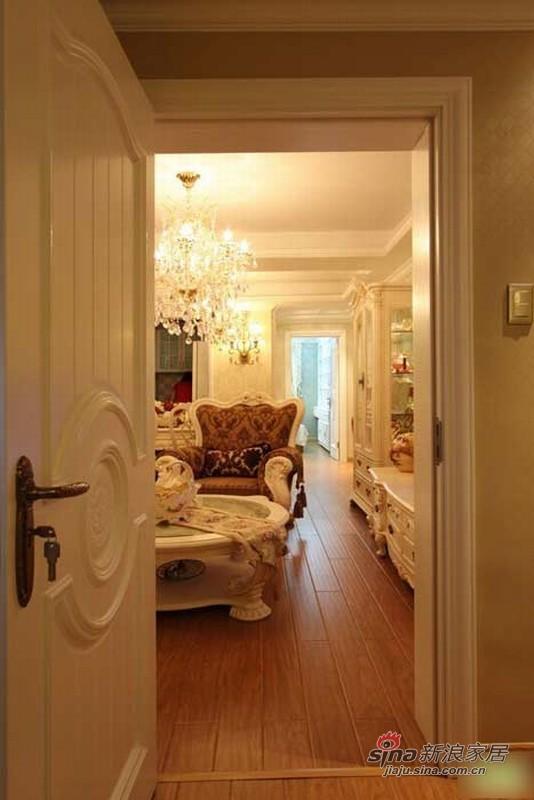 欧式 二居 卧室图片来自用户2772856065在18万装老板108平豪华欧式两居62的分享