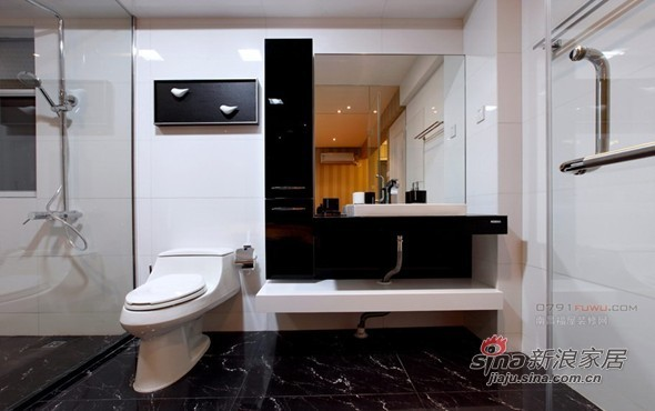 简约 二居 餐厅图片来自用户2559456651在5.6万装饰100平时尚黑白两居11的分享