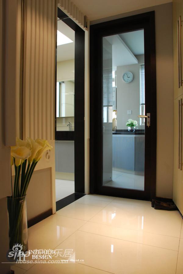 厨房与卫生间门洞异常高扩