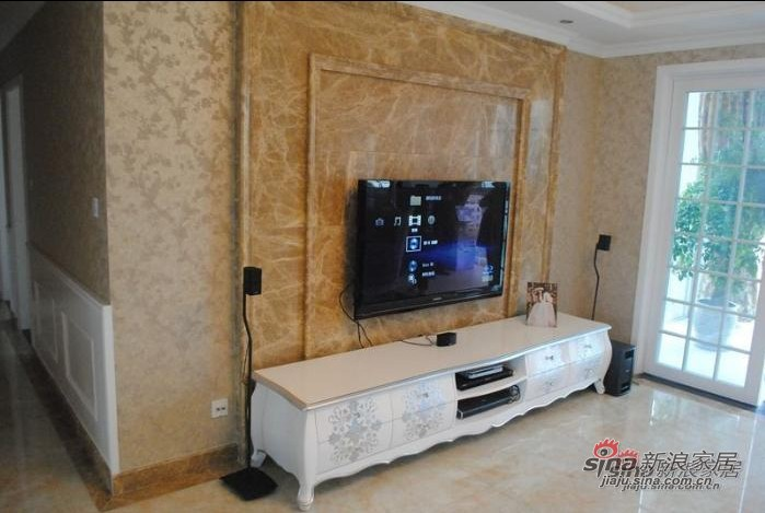 欧式 三居 客厅图片来自用户2772856065在170平米低调奢华简欧之家56的分享