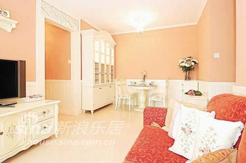 简约 二居 客厅图片来自用户2557010253在粉橙色温馨 营造梦幻温暖家居世界37的分享