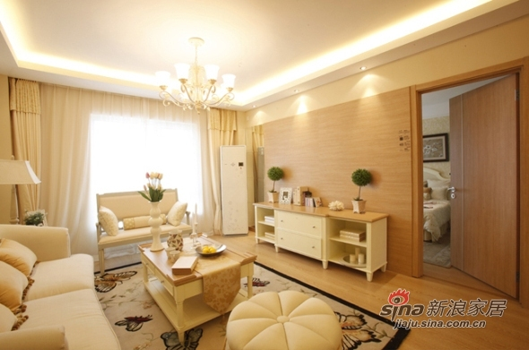 欧式 三居 客厅图片来自用户2557013183在实景8万美装140平欧式大气3居83的分享