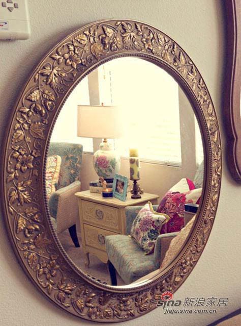 屋主特别爱的一面雕花复古铜镜,在旧货市场