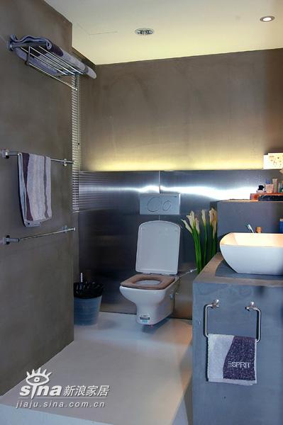 简约 复式 卫生间图片来自用户2738093703在阳光loft二17的分享