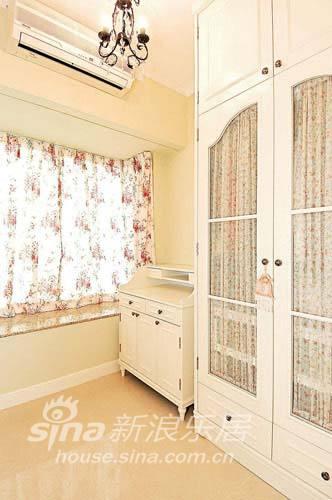 简约 二居 卧室图片来自用户2557010253在粉橙色温馨 营造梦幻温暖家居世界37的分享