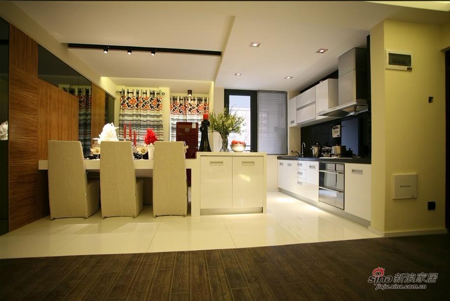 简约 二居 餐厅图片来自用户2737759857在6.7万改造115平黑白大2居58的分享