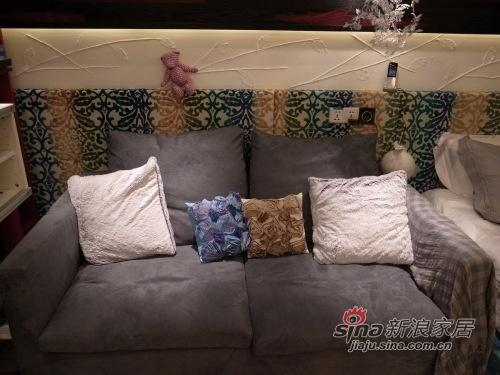 现代 一居 客厅图片来自用户2375967697在60平装修 既有钱又有内涵的人搞的装修94的分享