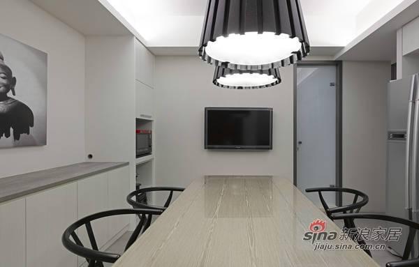 简约 三居 客厅图片来自用户2557979841在130平3居现代黑灰白简约家71的分享