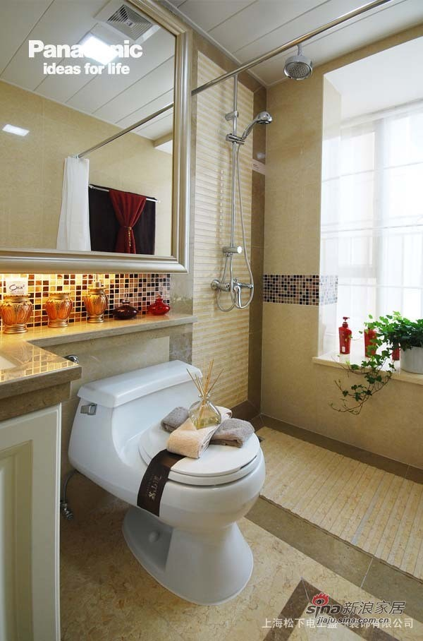 卫浴间延续了经典的欧式风情