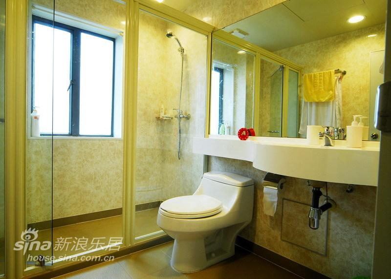 简约 三居 卫生间图片来自用户2738813661在简练雅致三居室45的分享
