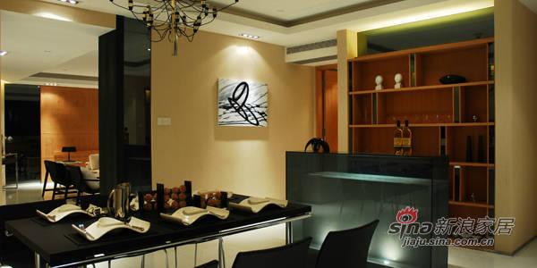 简约 三居 餐厅图片来自用户2557010253在134平时尚简约家44的分享