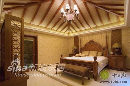 古朴典雅的欧式风格加上别具一格的木屋顶