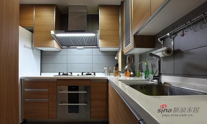 简约 二居 厨房图片来自用户2557010253在白领6.2万改装95平现代个性两居室44的分享