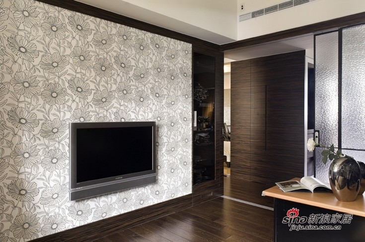 简约 三居 客厅图片来自用户2558728947在12万全包打造128平华丽奢华3居38的分享