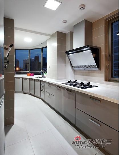 简约 三居 厨房图片来自用户2737782783在实景8万装110平优雅简约3居55的分享