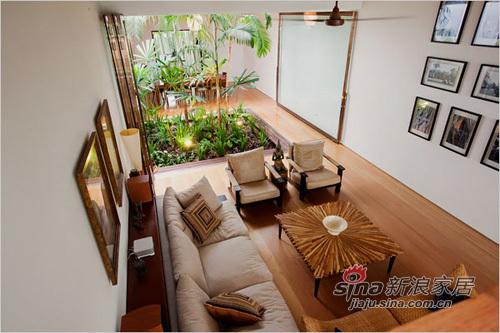 中式 二居 客厅图片来自用户1907661335在超大露台90平中式精致二居94的分享