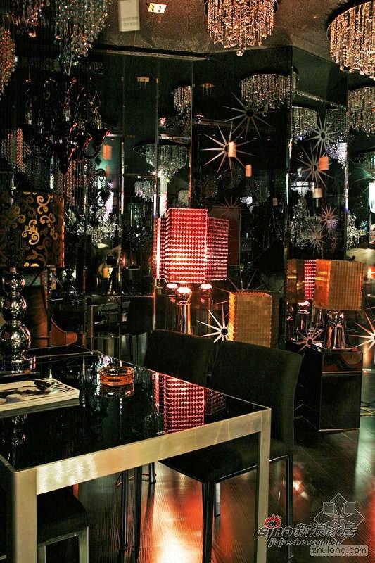 欧式 别墅 客厅图片来自用户2772856065在中山蒙娜蒂莎灯具展厅71的分享