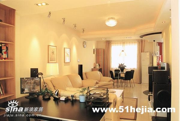 简约 二居 书房 宜家 80后 旧房改造图片来自用户2737735823在暖色调营造温馨舒适83的分享