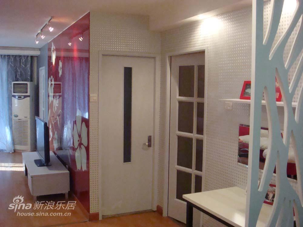 简约 一居 客厅图片来自用户2737786973在轻舟装饰交换空间作品展示12的分享