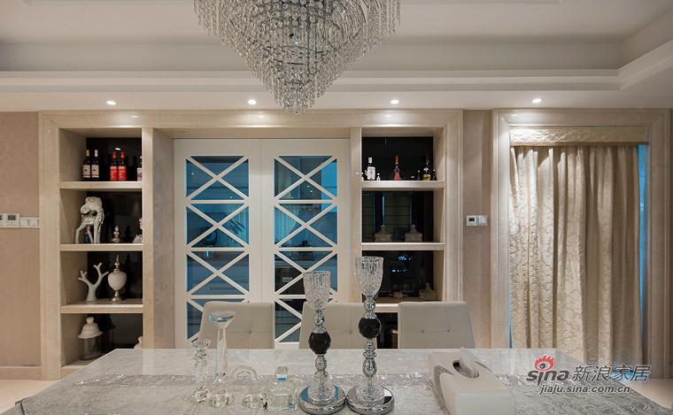 新古典 三居 餐厅图片来自装修微日记在【高清】155平新古典浪漫时尚3居65的分享