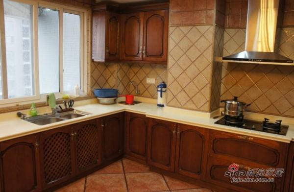 简约 三居 厨房图片来自用户2556216825在6万打造145平欧式风格新居75的分享
