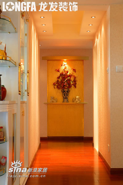 欧式 四居 玄关图片来自用户2746948411在简约欧式之四室两厅78的分享