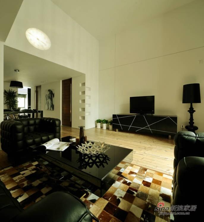 混搭 二居 客厅图片来自用户1907655435在10万营造83平混搭风格潮居69的分享