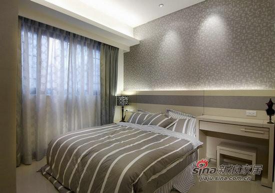 简约 二居 卧室图片来自用户2559456651在5.6万装饰100平时尚黑白两居11的分享