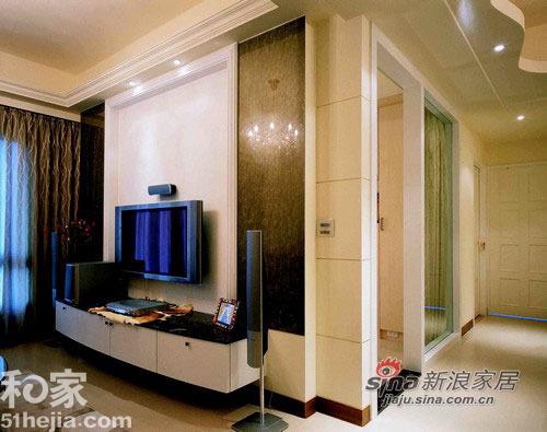 简约 二居 客厅图片来自用户2739081033在柔美线条打造66平简约温馨小户型44的分享