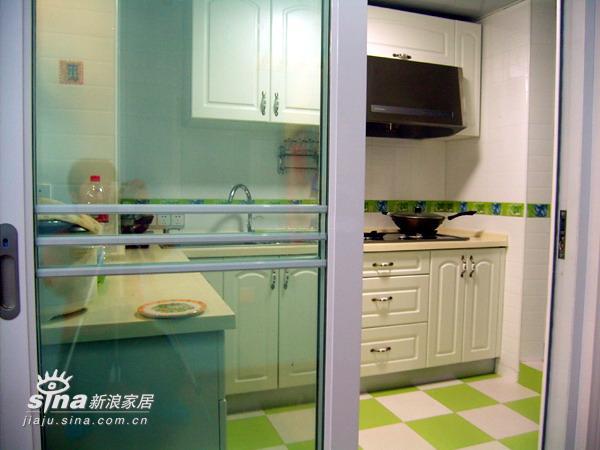 简约 二居 厨房图片来自用户2737759857在12万装精致芭比小筑(2)27的分享