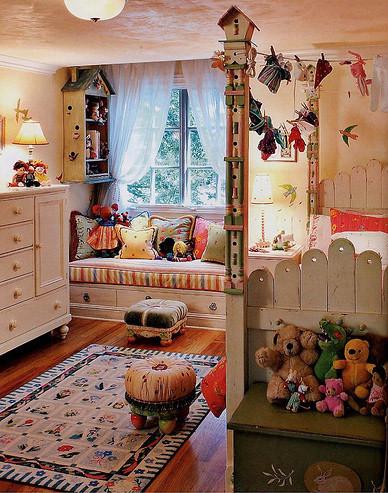复古家具彩色布艺儿童房