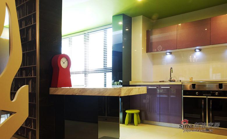 现代 二居 厨房图片来自装修微日记在【高清】10万打造83平黑白现代两居74的分享