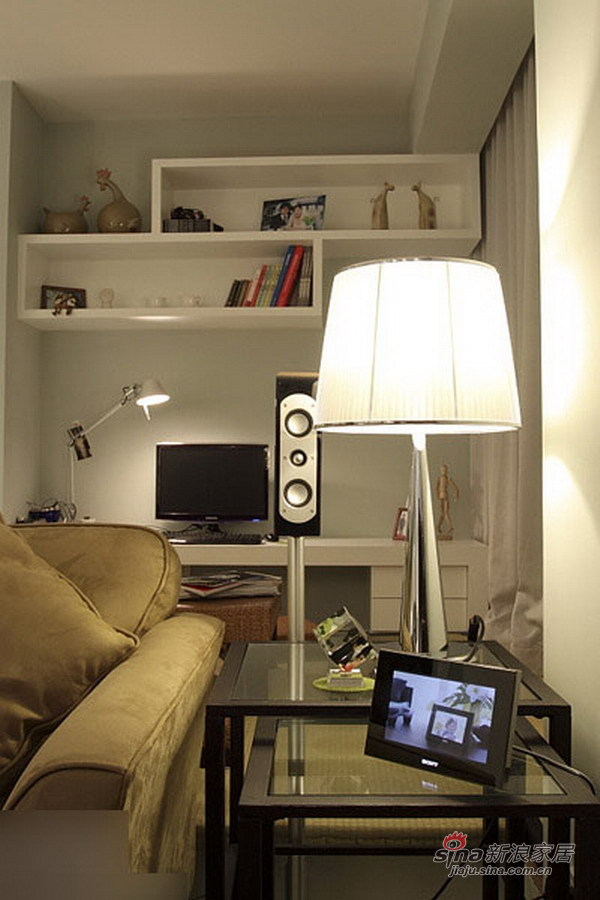 简约 二居 客厅图片来自用户2739081033在80后10万装时尚简约2居69的分享