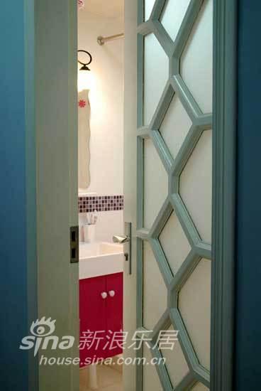 简约 二居 客厅图片来自用户2737759857在鲜亮色调让你惊艳温馨小家13的分享