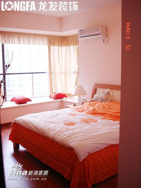 简约 三居 卧室图片来自用户2738813661在温馨家园 实景案例83的分享