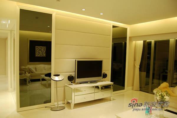 欧式 三居 客厅图片来自用户2746953981在4.6万装修136平现代欧式家30的分享