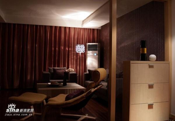 欧式 二居 客厅图片来自用户2746953981在大气的小户型72的分享