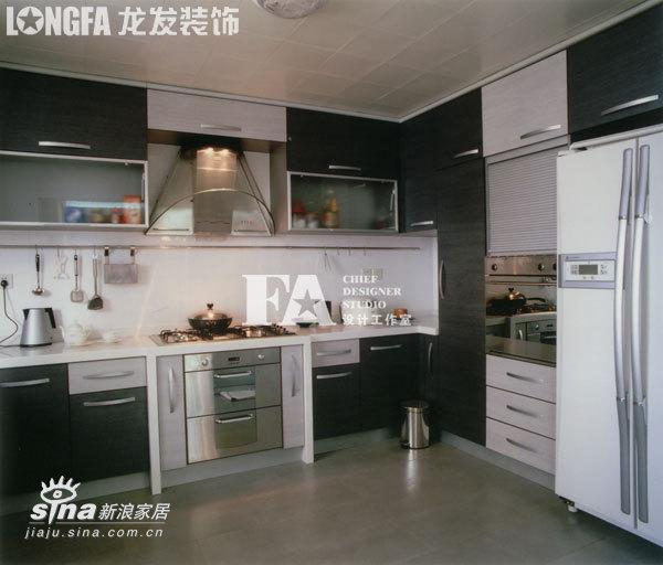 简约 三居 厨房图片来自用户2738813661在简洁而纯净的精神转换空间88的分享