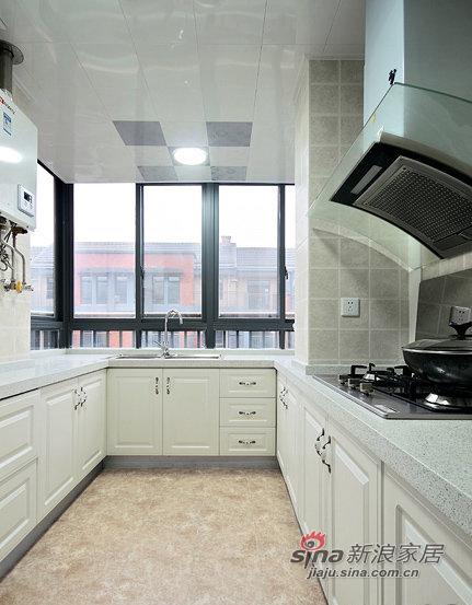 简约 三居 厨房图片来自佰辰生活装饰在87平黑白色搭现代时尚靓家30的分享
