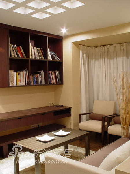 中式 三居 客厅图片来自wulijuan_16在10万装修大气的中式风格23的分享