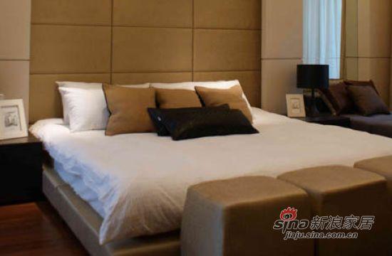 简约 二居 卧室图片来自用户2739081033在88平现代简约品质生活空间91的分享