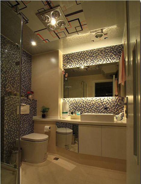 黑白马赛克搭配白色简约浴室柜 吊顶的花式条纹点缀的尤为精彩。整体现代感极强。