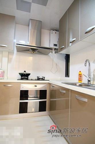 简约 二居 厨房图片来自用户2557979841在清新范儿8万搞定90平两居室83的分享