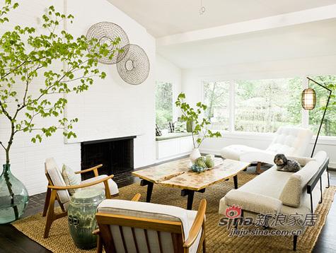 简约 二居 客厅图片来自用户2739081033在文艺女7万装98平春色满园三居84的分享