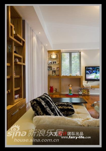 简约 二居 其他图片来自用户2737759857在两房改三房,壁纸的现代感87的分享
