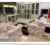 这样子的组合,沙发形成了视觉上的隔断,组成了自己的一个相对独立的区域,适合小空间哦!