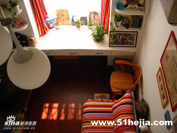 简约 复式 儿童房图片来自用户2738829145在三代同堂共享欧式田园家78的分享