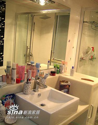 简约 三居 卫生间图片来自用户2745807237在狂晒现代简约之家23的分享